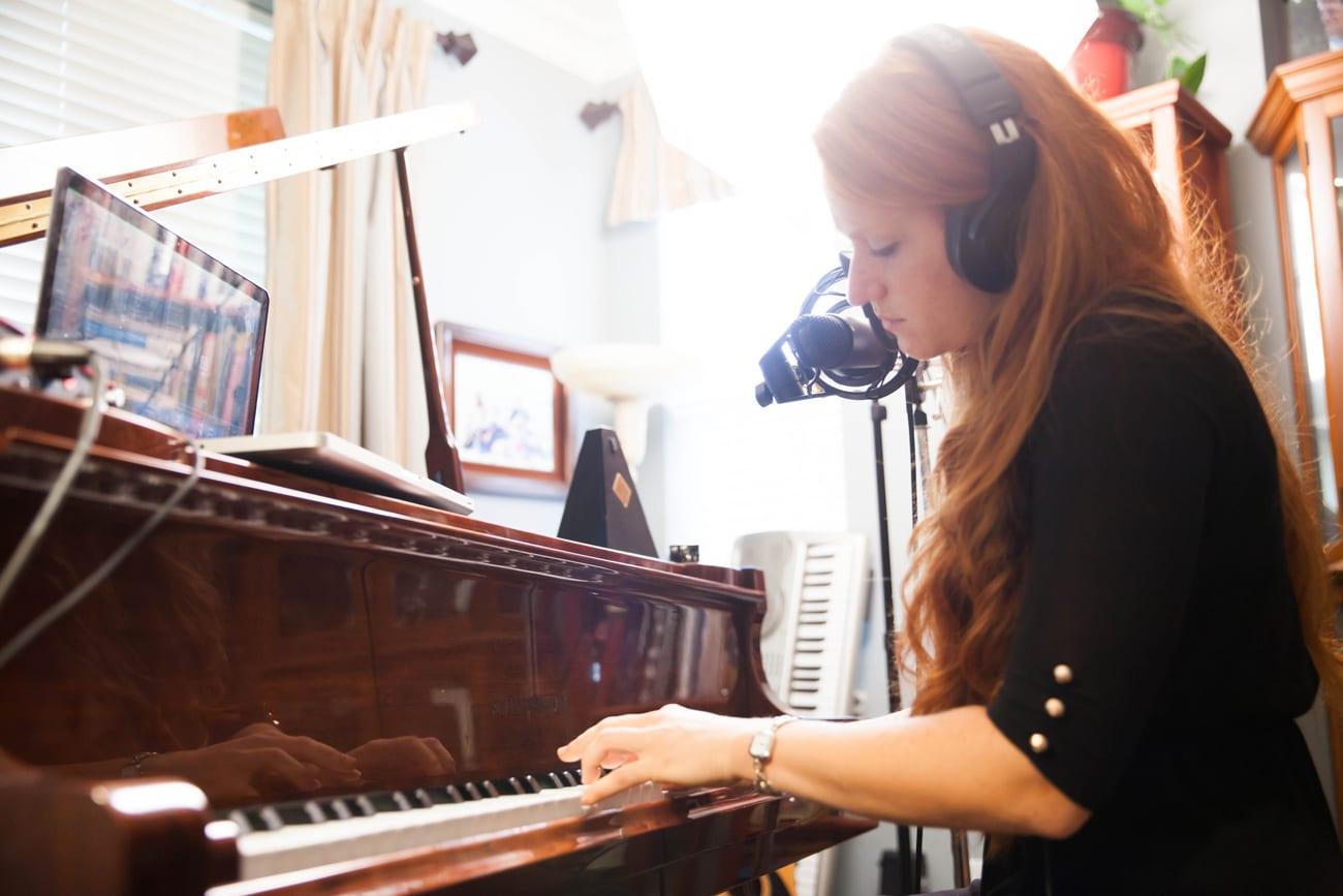 cassandra-playing-piano